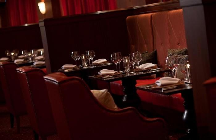 15 Tips for best restaurants' tables Designs