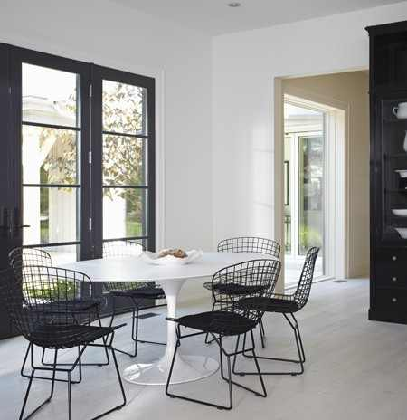25-kitchen-table-house-home-2012-princess-margaret-showhome-mgraydon 6 Beautiful Black and White Decor Ideas