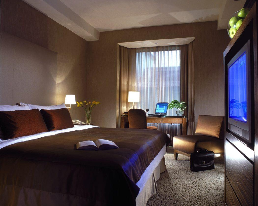 25 8 Reasons Make You Enjoy Traders Hotel Singapore?