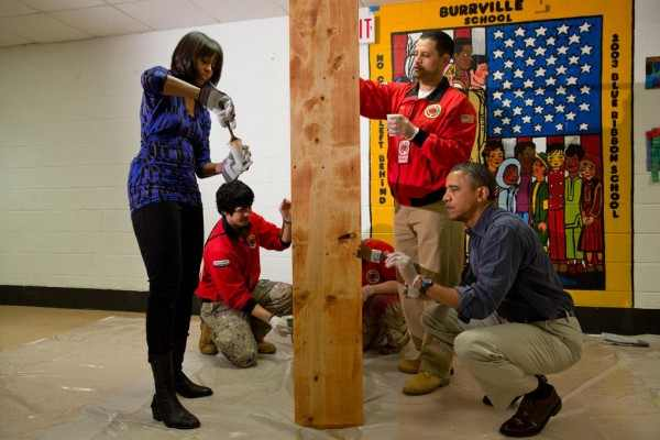 Photo of Barack Obama worked as a carpenter