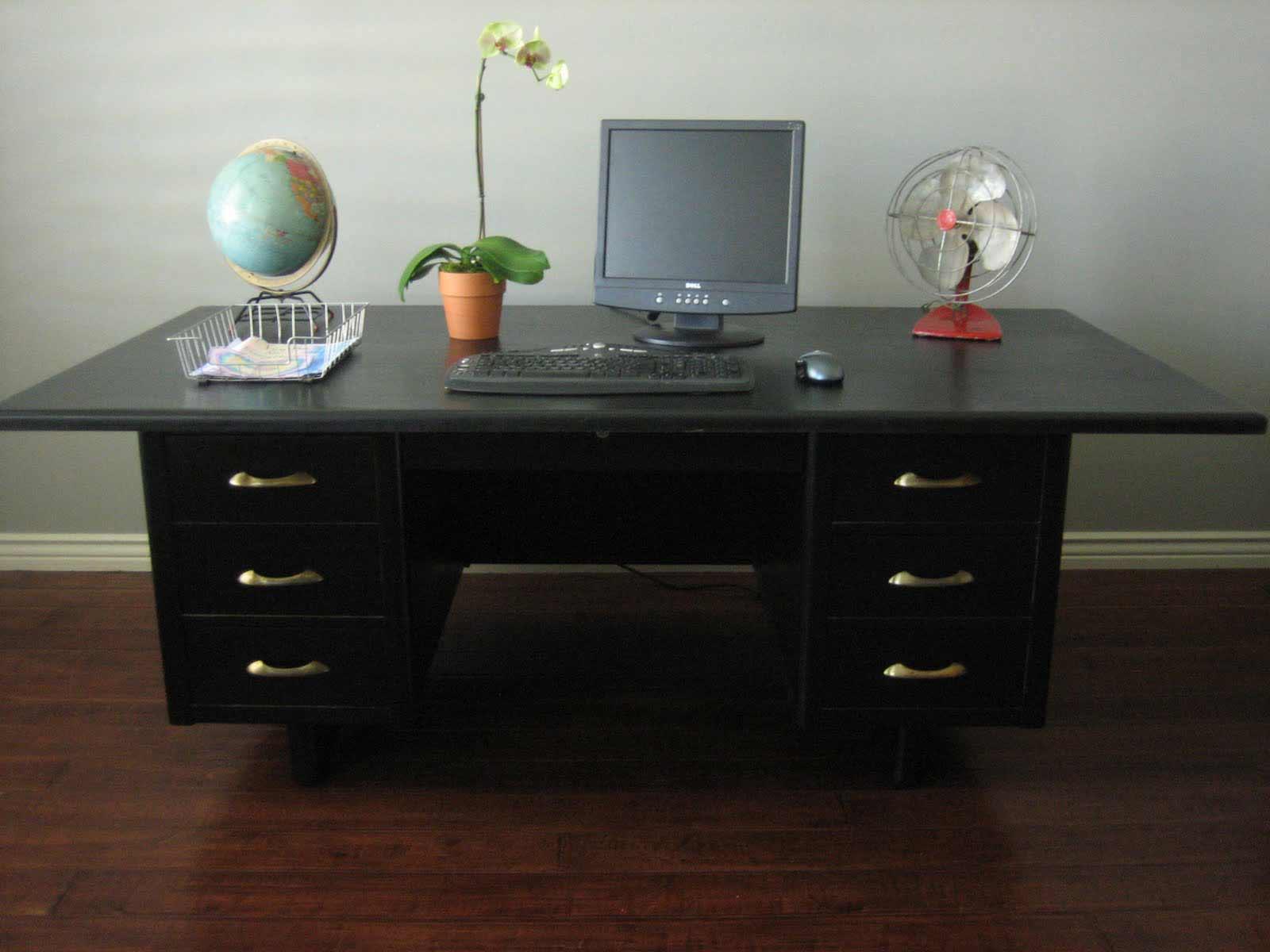 Black-Cool-Office-Desks-in-Wide-Size 9 Black Office Desk Designs & How to Choose the Best one