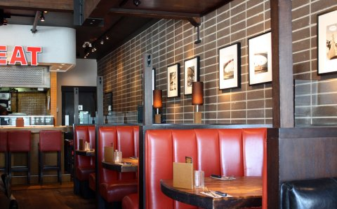 Browns Tips for best restaurants' tables Designs