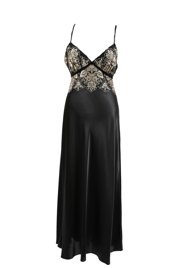 Dress-yourself-in-a-little-luxury-for-a-special-evening. 19 Special Collection of Long Black Dresses