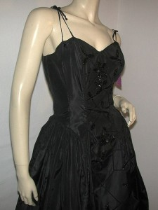 Fabulous-50s-Fred-Perlberg-Party-Dress-Dance-Originals-Black-Sequin-Full-...-225x300 Let your black dress make their eyes stop moving