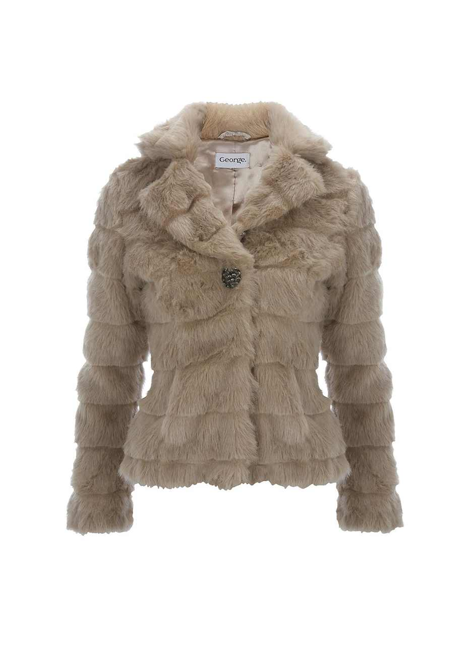 Faux_Fur_Coat Most Stylish Faux Fur Coats and Jackets For Women (Pictures)