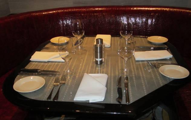 RTEmagicC_IMG_0085_JPG Tips for best restaurants' tables Designs