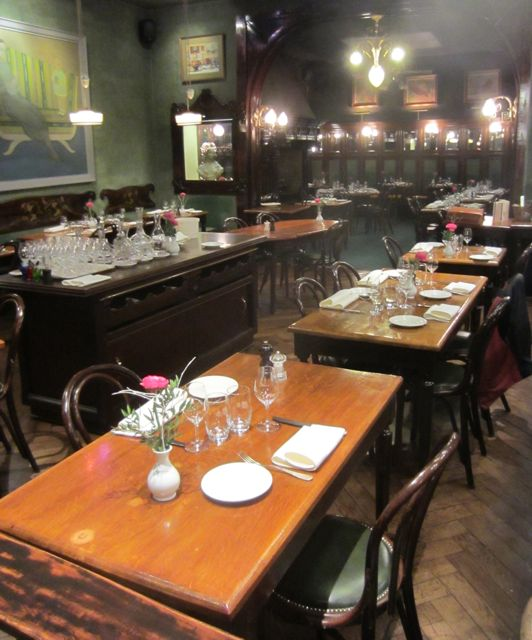 Restaurant Tips for best restaurants' tables Designs