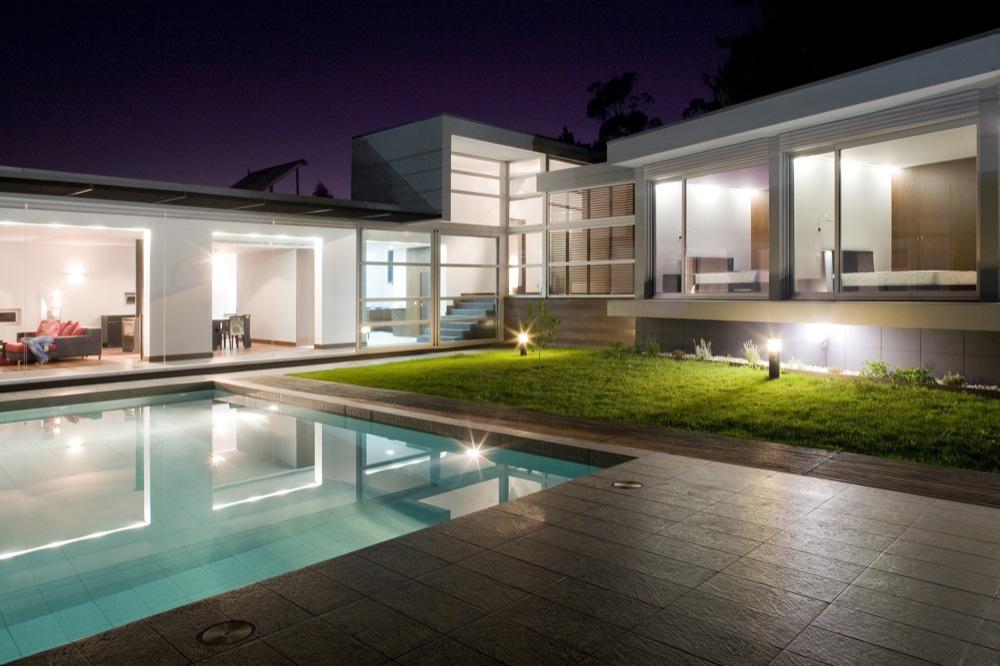 aveleda-house-outdoor-lighting-design-outdoor-lighting-design-ideas Simple and Unique Ideas for Outdoor Lighting