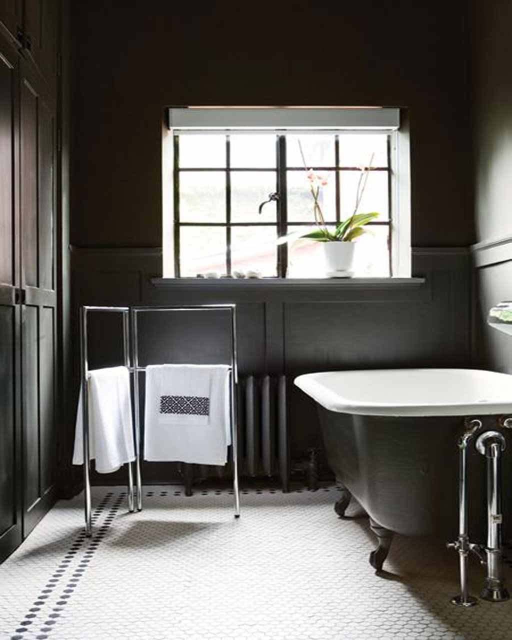 black-and-white-bathroom-ideas 6 Beautiful Black and White Decor Ideas