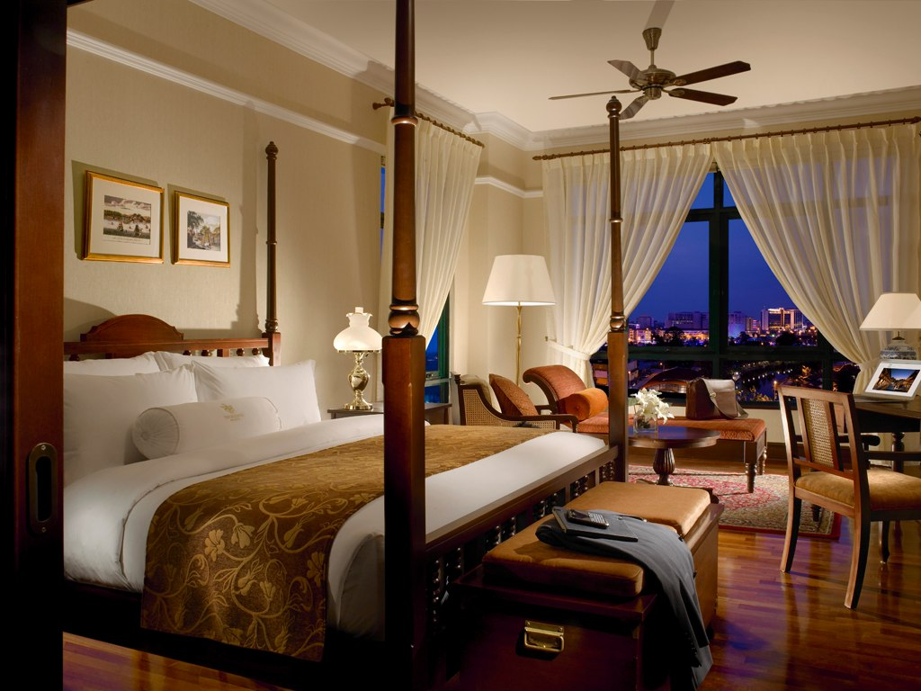 cn_image_0.size_.majestic-malacca-malacca-malaysia-108968-1 8 Reasons Make You Enjoy Traders Hotel Singapore?