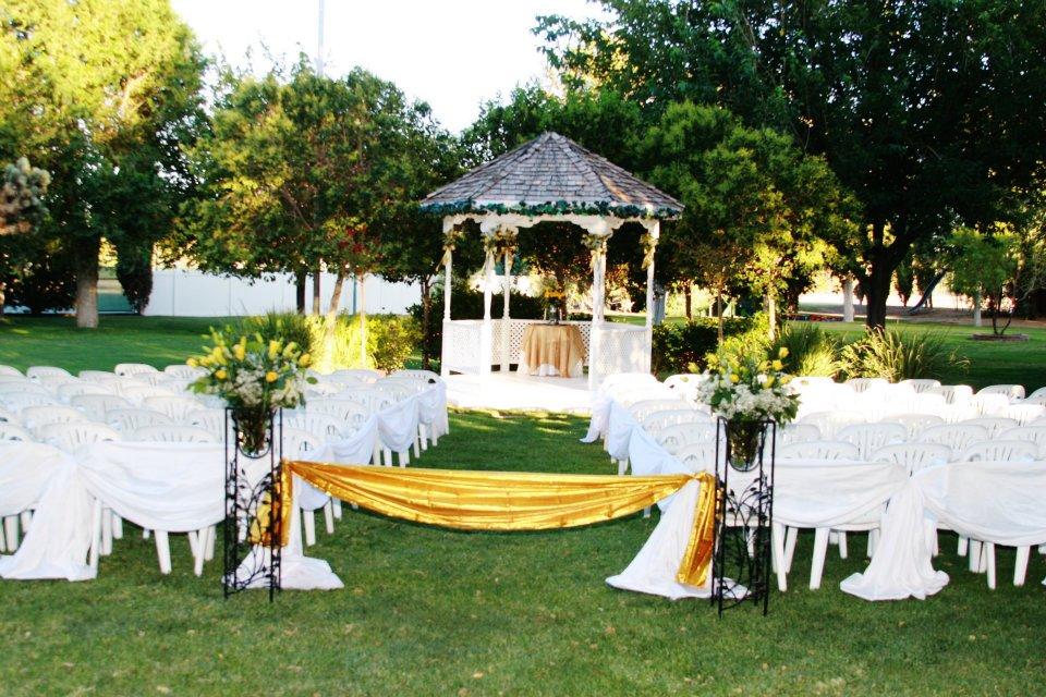 garden +5 Tips to Decorate Your Outdoor Wedding