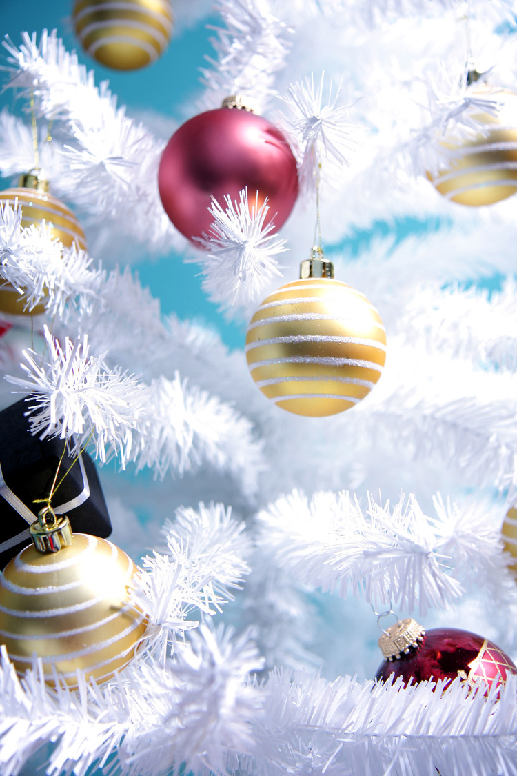 holiday-decorations Prepare your Home Decorations For Next Holidays