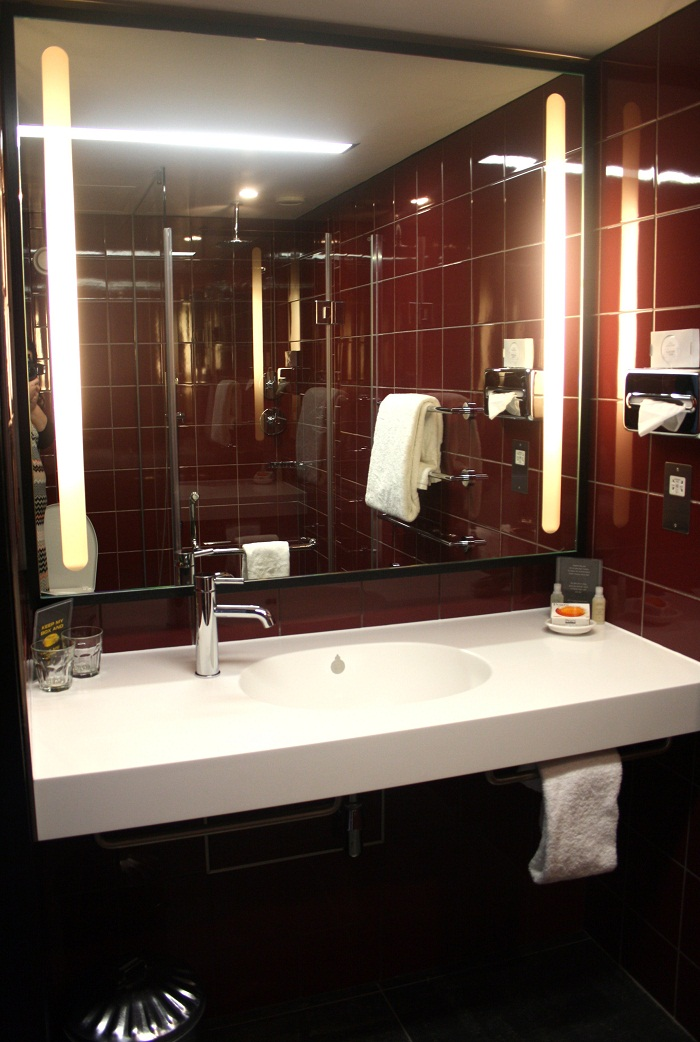 hoxton-bathrroom Why Hoxton hotel is The Preferred Hotel in London?