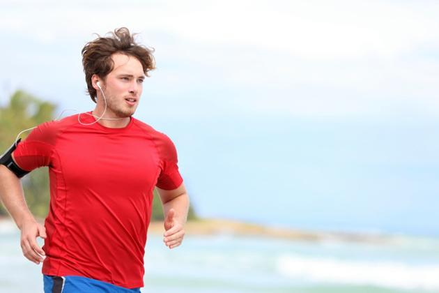 running-with-iphone Now.. Fitness Apps on Mobile Phones