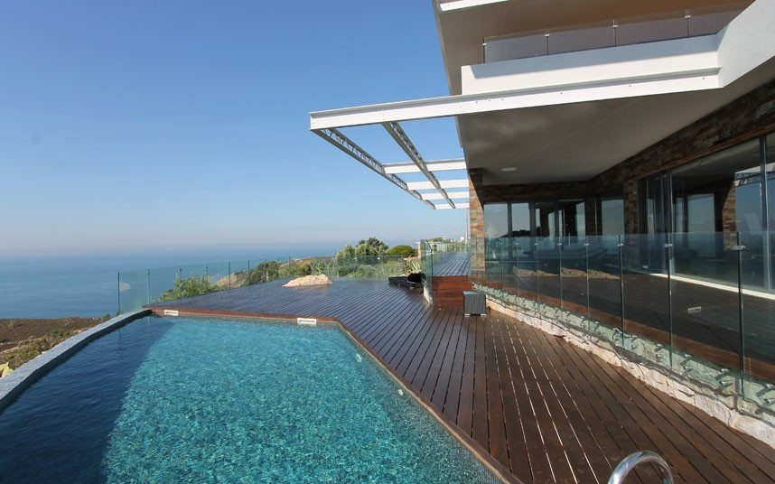 swimming-pool-2 The Most Beautiful 10 Swimming Pools and Luxury Homes in The World