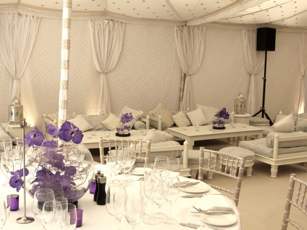 tent. +5 Tips to Decorate Your Outdoor Wedding