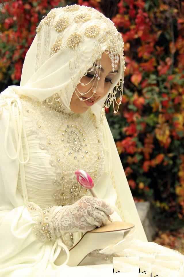 wedding-dress-2013 My Wedding Is Soon... What Shall I Wear?!