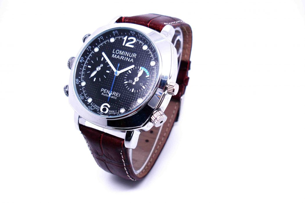 720p-HD-Camera-Watch-with-Video-Recorder-4GB-8GB-QT-H008- Best 5 Camera Watches in The World