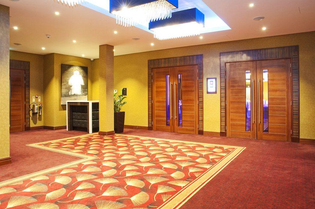 8169416-interior006-max Is Kensington Close Hotel Suitable for London Visitors?