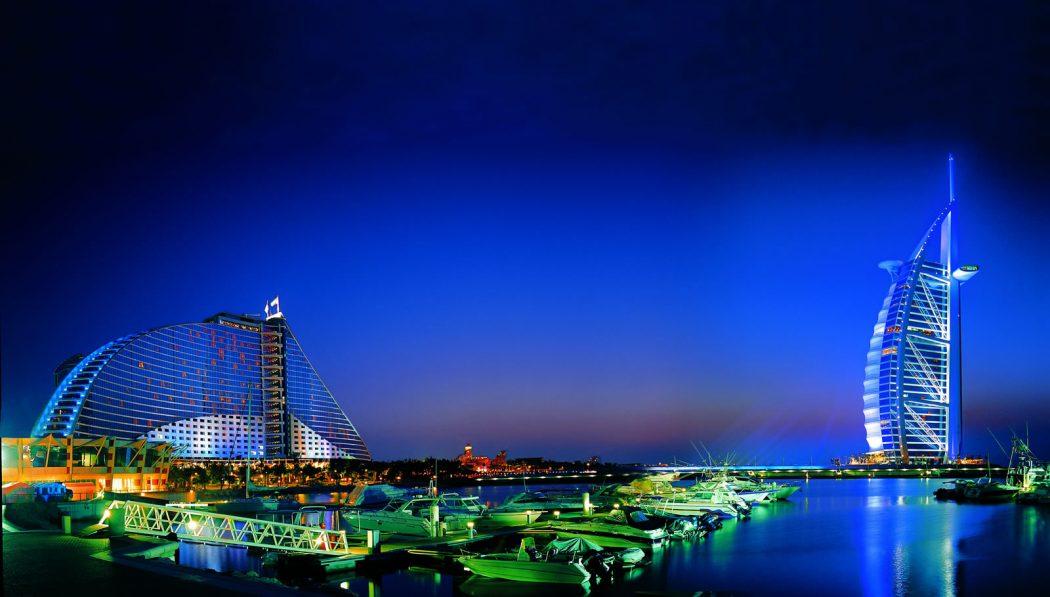 BURJ-AL-ARAB-HOTEL The Luxurious Options of Luxury Hotels