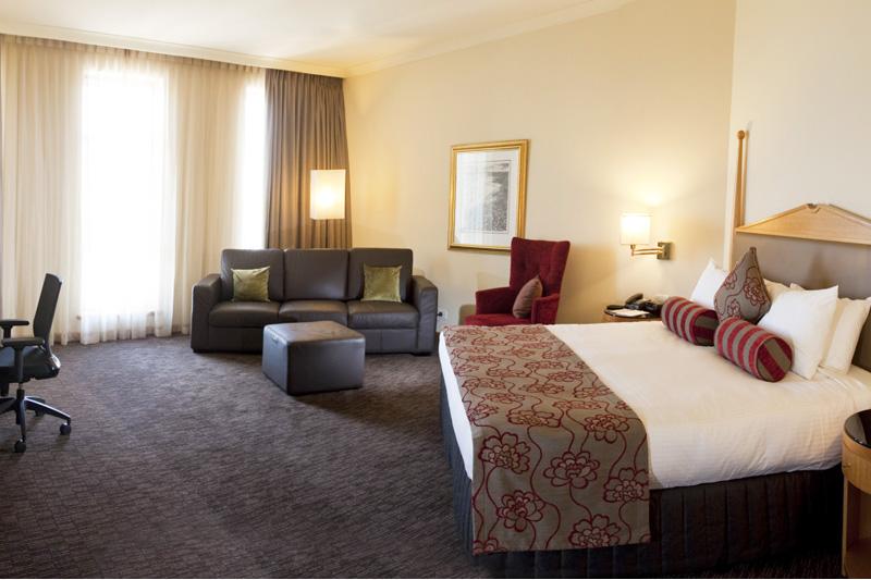 Club-King-Room Enjoy A Luxurious Life in Duxton Hotel Perth
