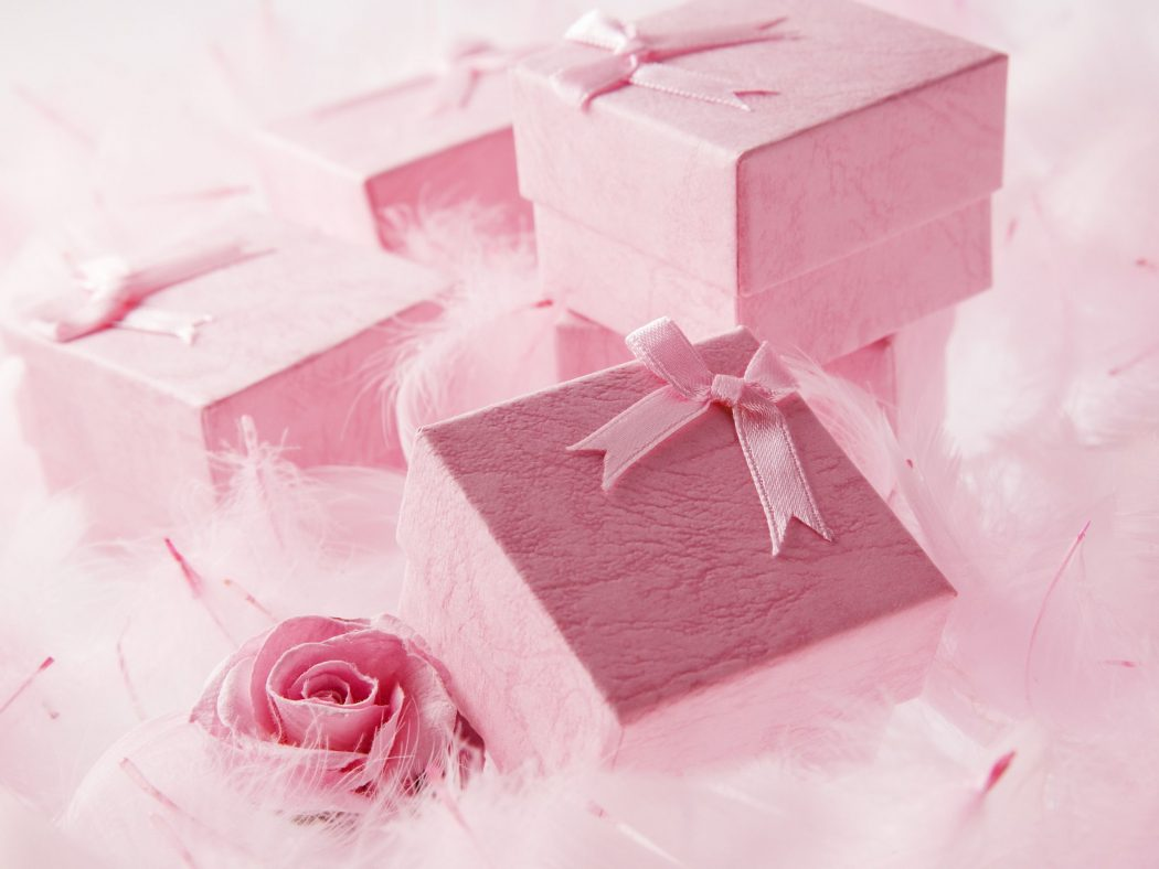 Holiday-Gifts-Box-Pink-Surprise-Greeting-Cards Wonderful greeting cards for happy holidays