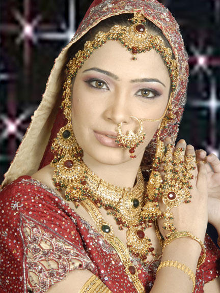 Latest Pakistani Bridal Dresses Makeup and Jewelry