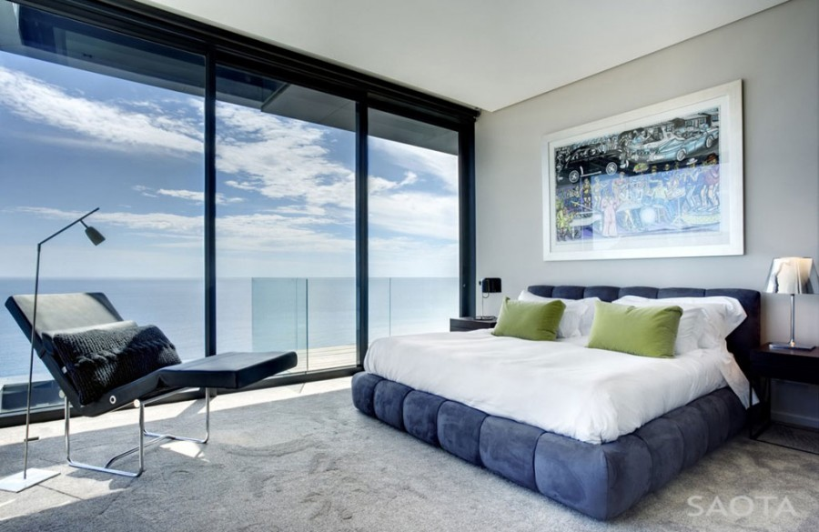 Luxurious-Modern-Bedroom-Interior-with-Ocean-View-of-Nettleton- How to Choose Contemporary Bedroom Furniture