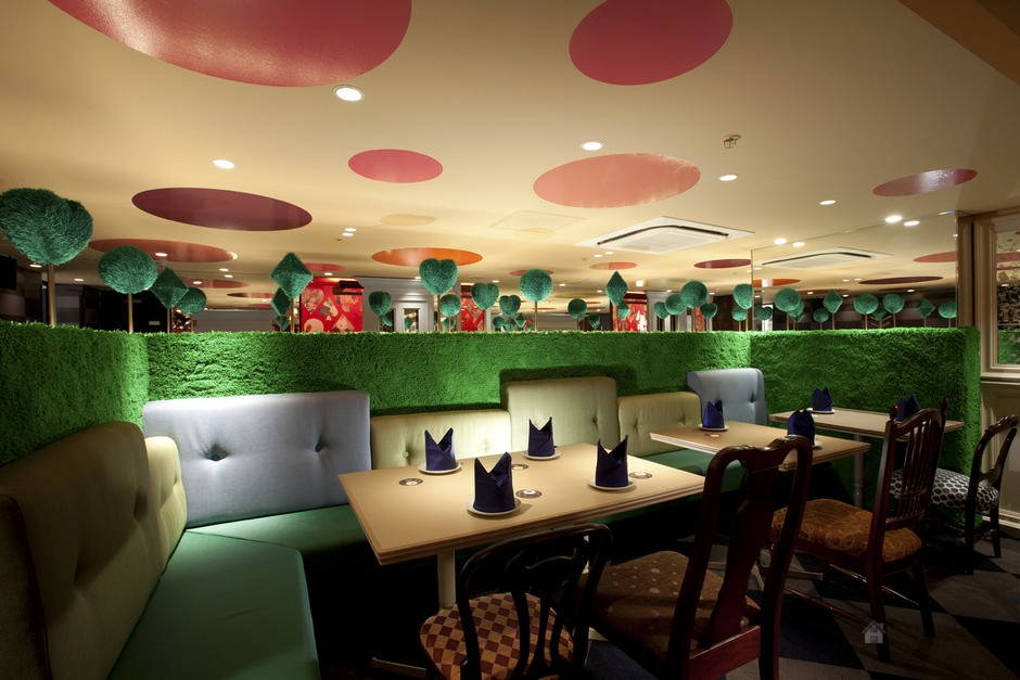 Restaurant-Alice-In-Wonderland-In-Tokyo-By-Fantastic-Design-Works-2 Top 10 Most Inspiring Restaurant Interior Designs in The World