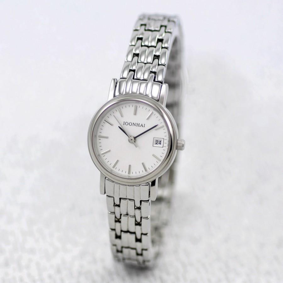 Steel-Strip-Ultra-Thin-Women-Quartz-Fashion-Table The World's 15 Thinnest Watches