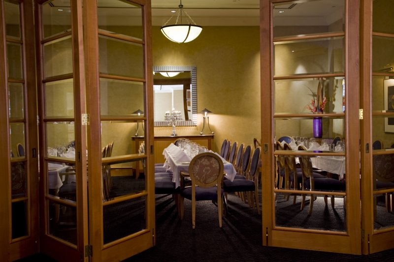 The-Cove-private-dining-room Enjoy A Luxurious Life in Duxton Hotel Perth