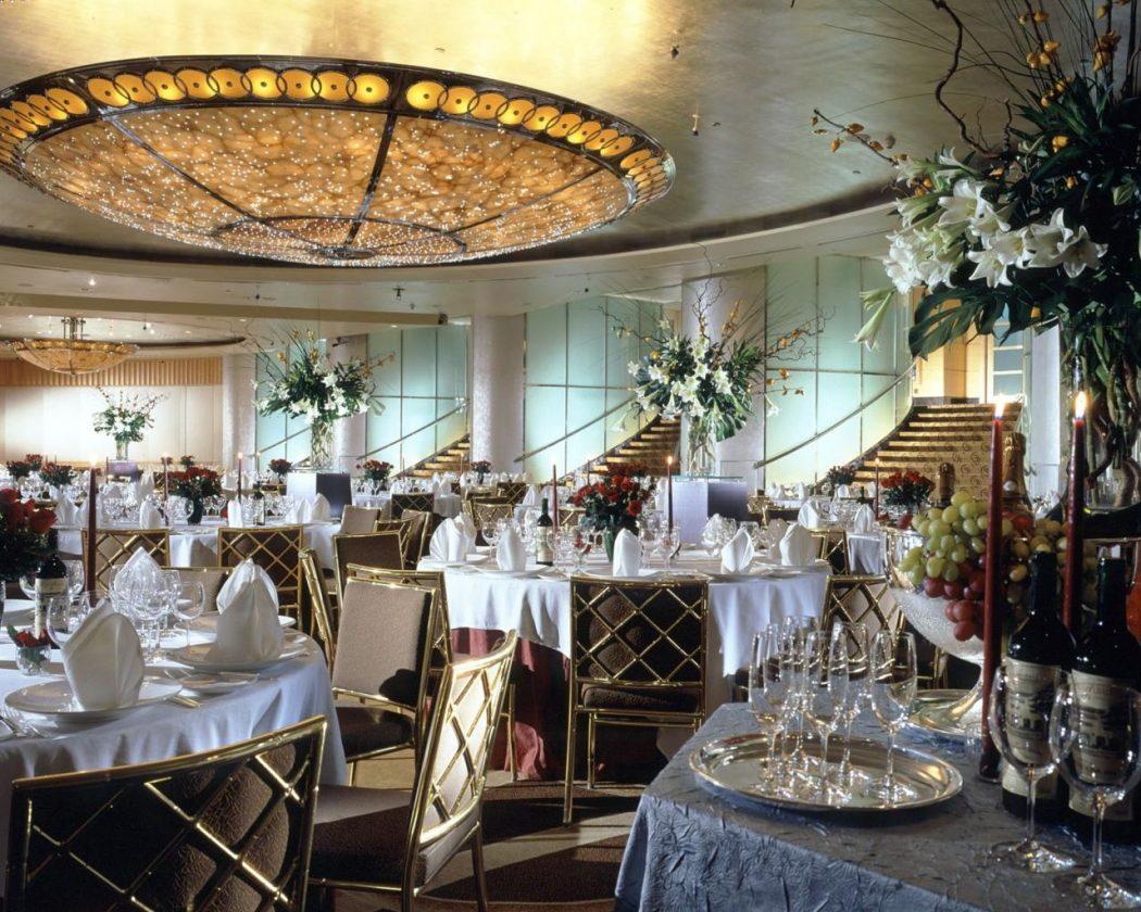 The_Ballroom_-_The_Fullerton_Hotel_Singapore.88205342_large The Fullerton Hotel Singapore
