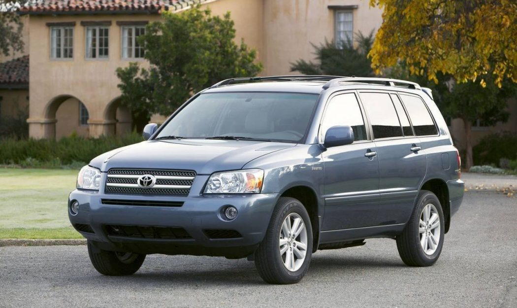 Toyota-Highlander-Hybrid. Top 30 Eco Friendly Cars