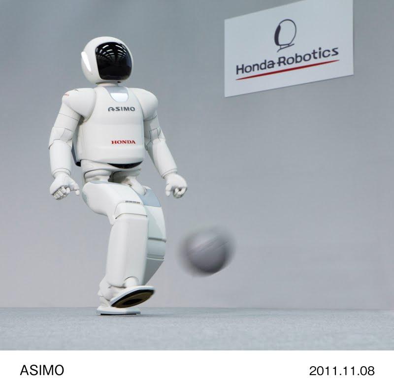 asimo_4 Robot Boy Turned Fiction to Reality