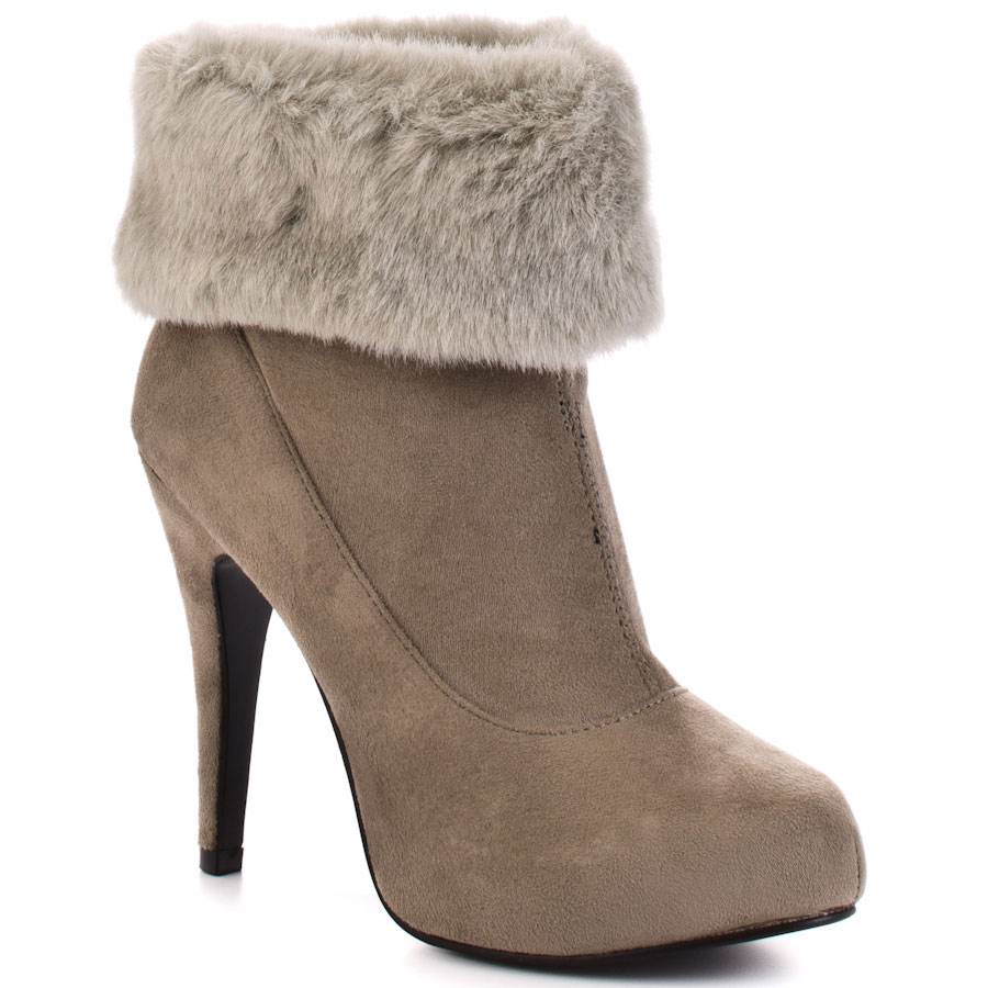 booties-7 Best 10 Ideas for Choosing Winter Gifts