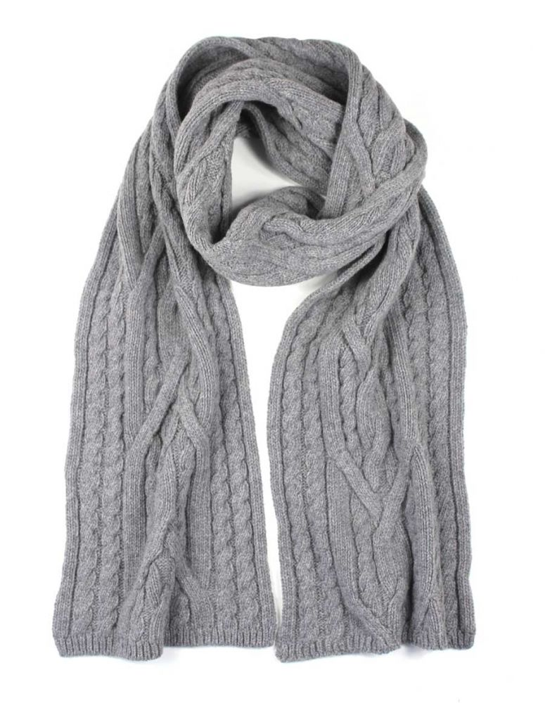 chunky-wool-scarf Best 10 Ideas for Choosing Winter Gifts