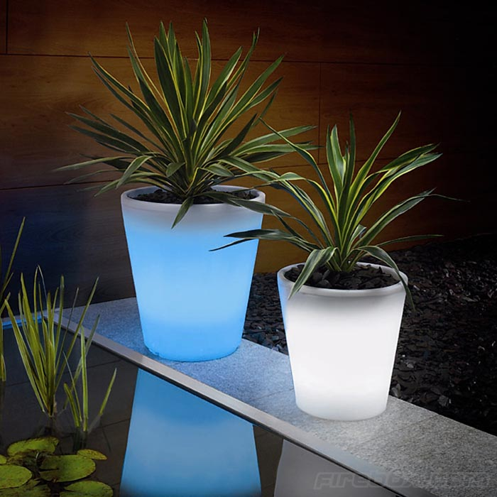 color_changing_solar_powered_plant_pot How Artificial Plant Lights Will Help Growing Your Plants?