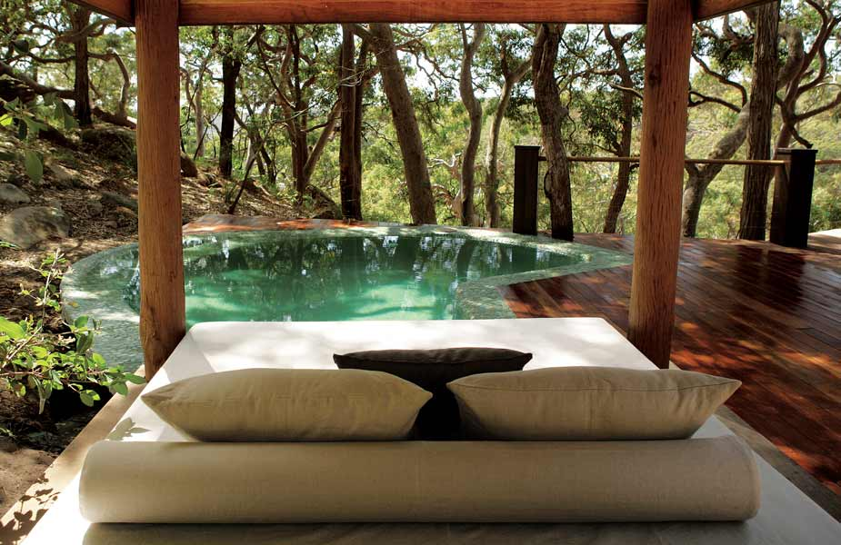 creative-sydney-beachhosue-pool-and-lounge What Are The Best Salon & Spa Designs?
