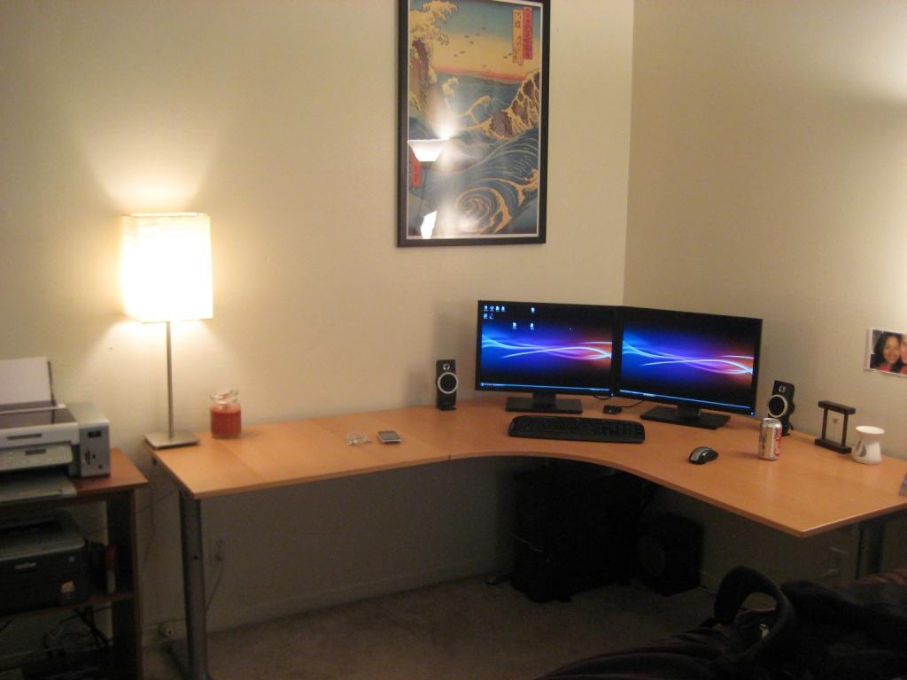 desk2 Love Your Work with IKEA Desks