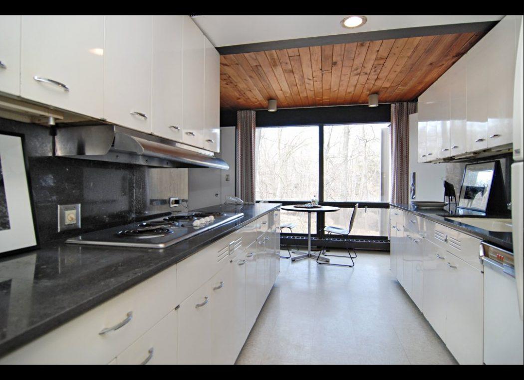 extraordinary-small-galley-kitchen-design 15 Creative Kitchen Designs