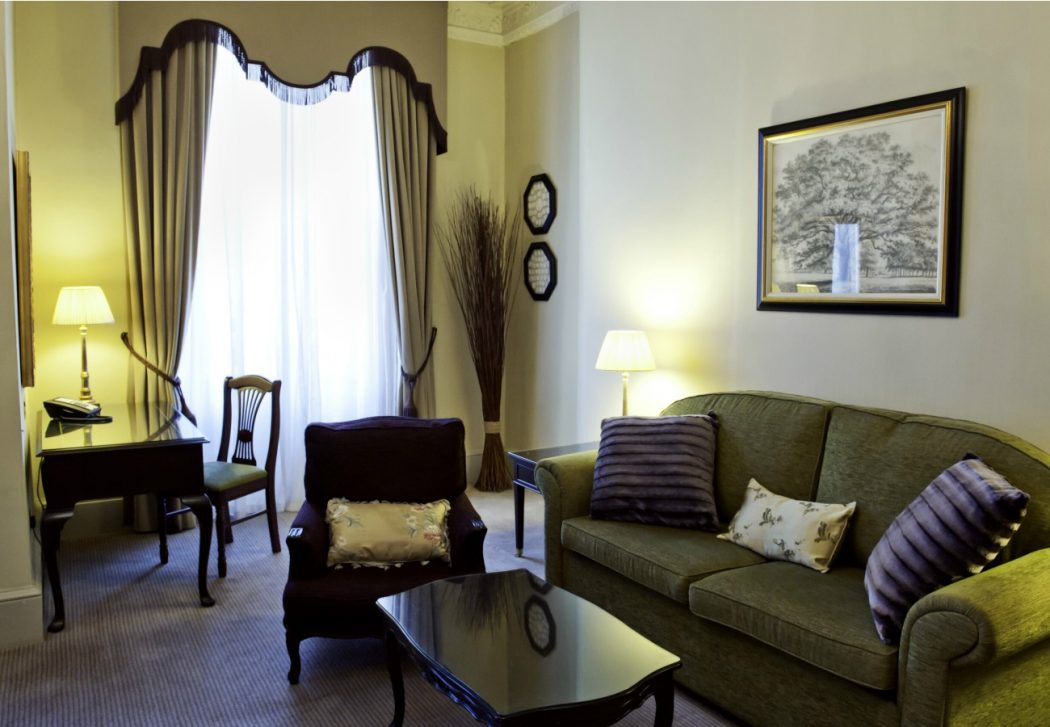 george-suite103-lounge-1300x900 George Hotel Edinburgh: Hidden Facts