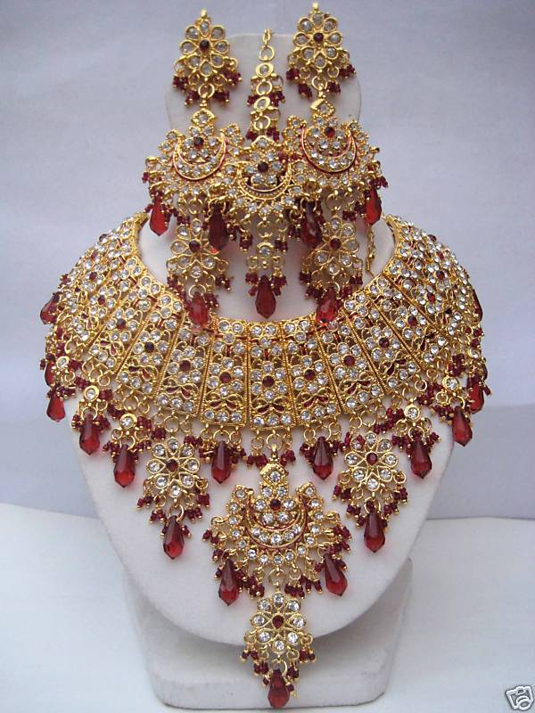 indian-bridal-jewellery3 Top Jewelry Trends That will Amaze YOU!