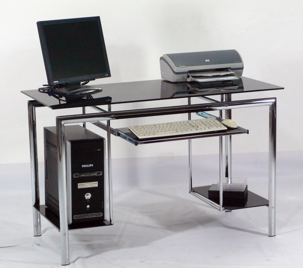 l_office_blanco_computer_desk Why Glass Computer Desks Are The Trend of This Year?