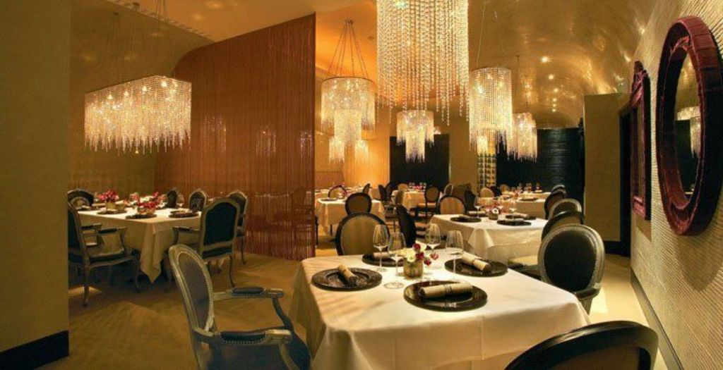 restaurant. Do You Want A Good and Comfortable Hotel in London?