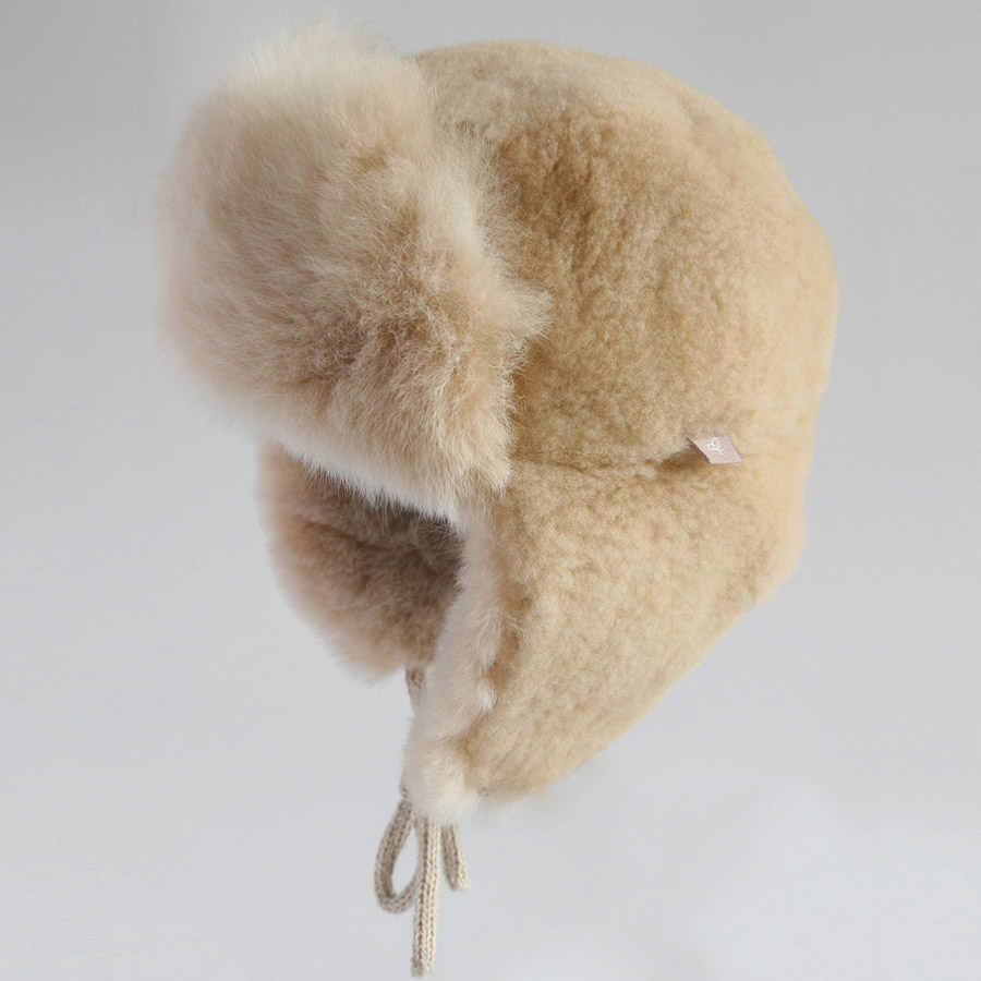 trapper-hat-_Champag Best 10 Ideas for Choosing Winter Gifts