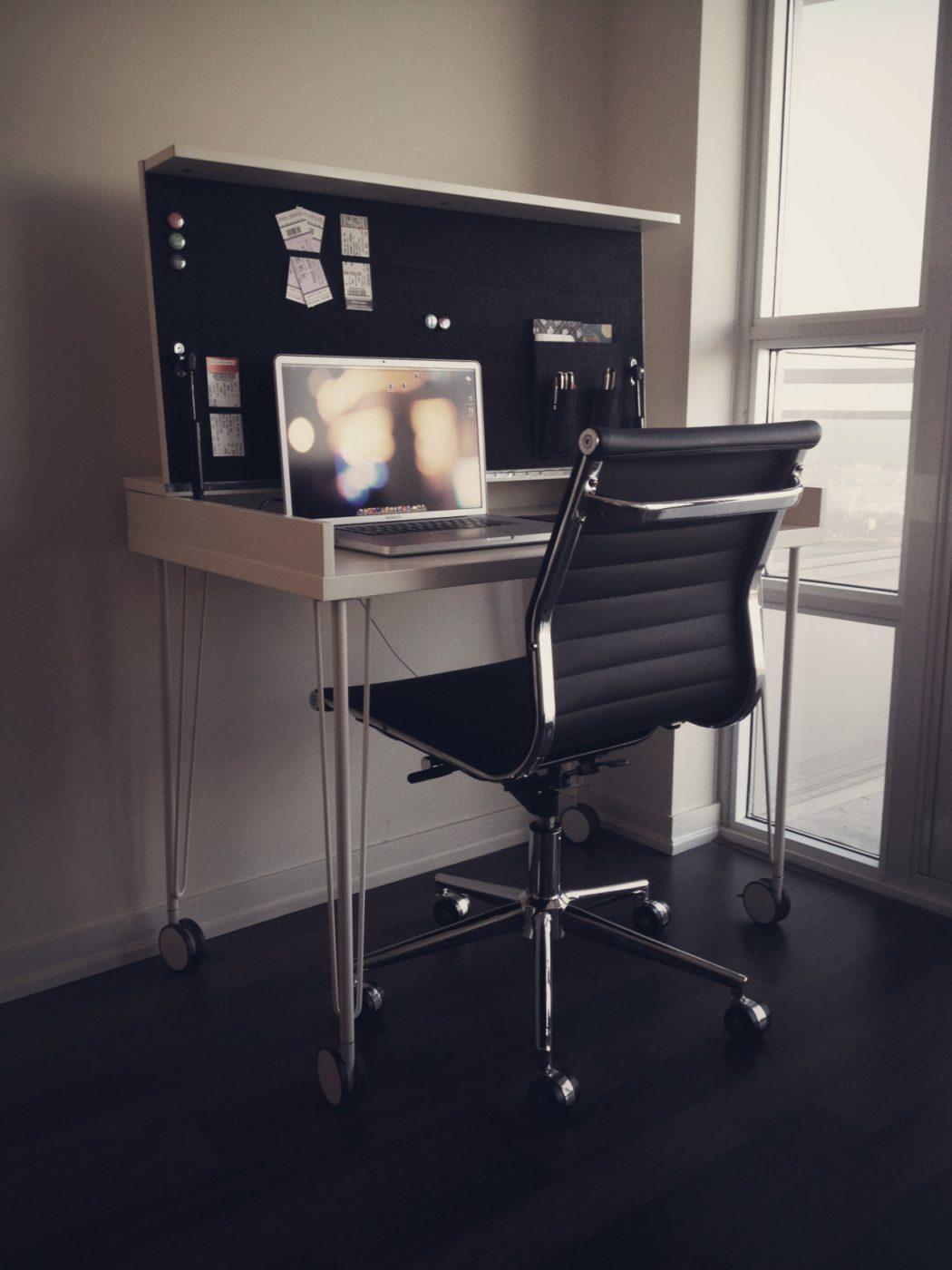 tumblr_m2a4e3OWX21r9tee7o1_1280 Love Your Work with IKEA Desks