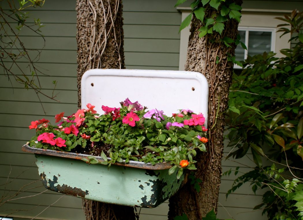 109 10 Fascinating and Unique Ideas for Portable Gardens
