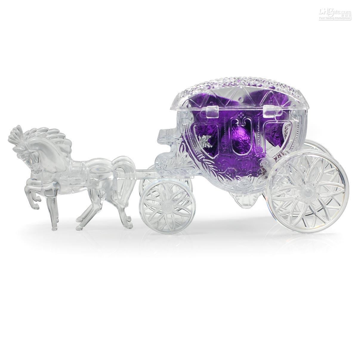 2012-crystal-fairy-tale-carriage-candy-boxes 20 unique wedding giveaways ideas