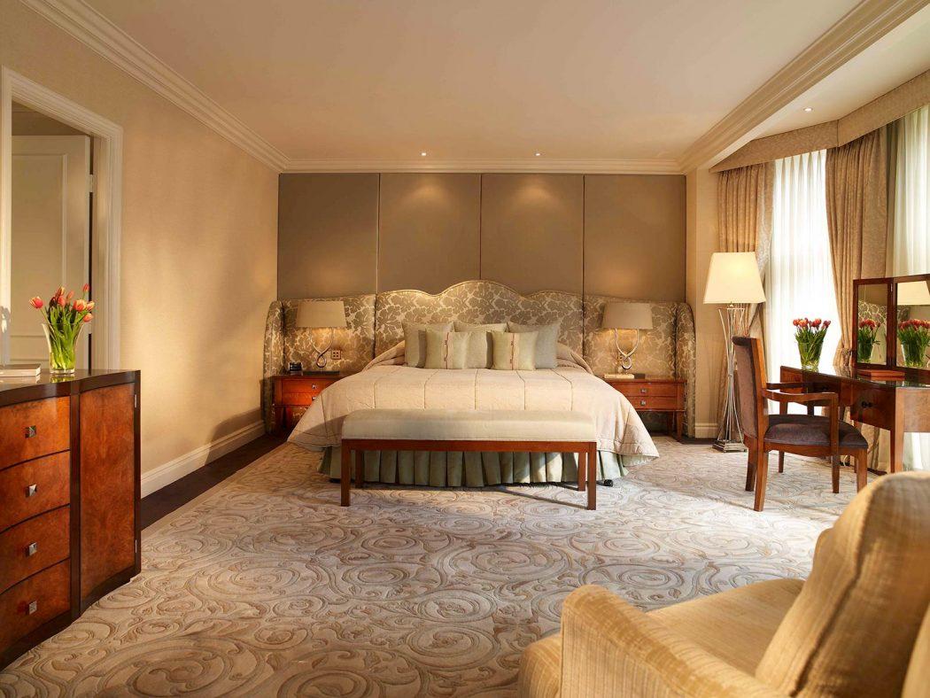 27842803-H1-Deluxe-Suit_11 Camden Court Hotel Review