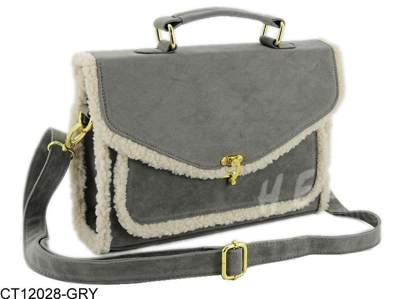 412794282_493 20+ Most Stylish Celebrity Bags